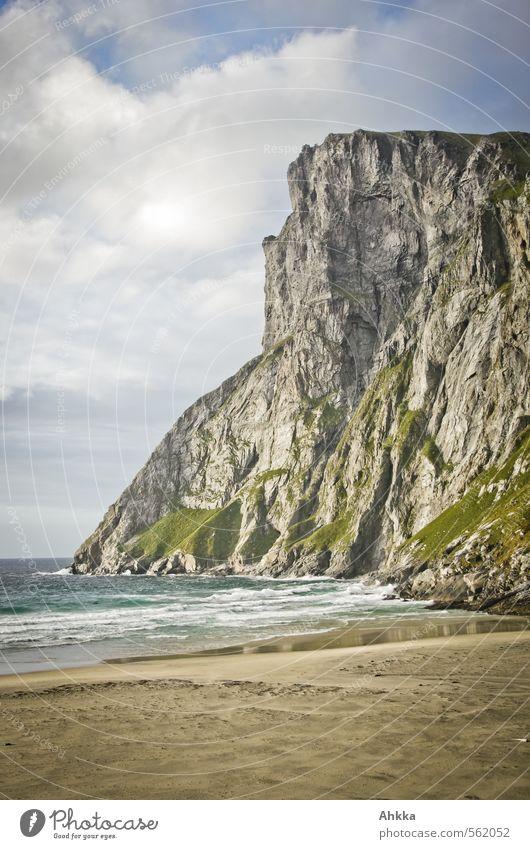 cliff Erholung ruhig Meditation Abenteuer Ferne Strand Meer Natur Landschaft Schönes Wetter Wellen Küste Klippe Stimmung Zufriedenheit Vertrauen Einigkeit