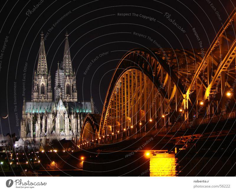 Mir losse dr dom in Kölle Köln Nacht Licht Dom Brücke