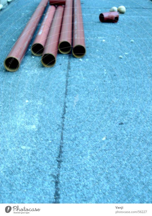 Rohr frei blau Industrie Baustelle liegen Handwerk Eisenrohr bauen Rest baufällig