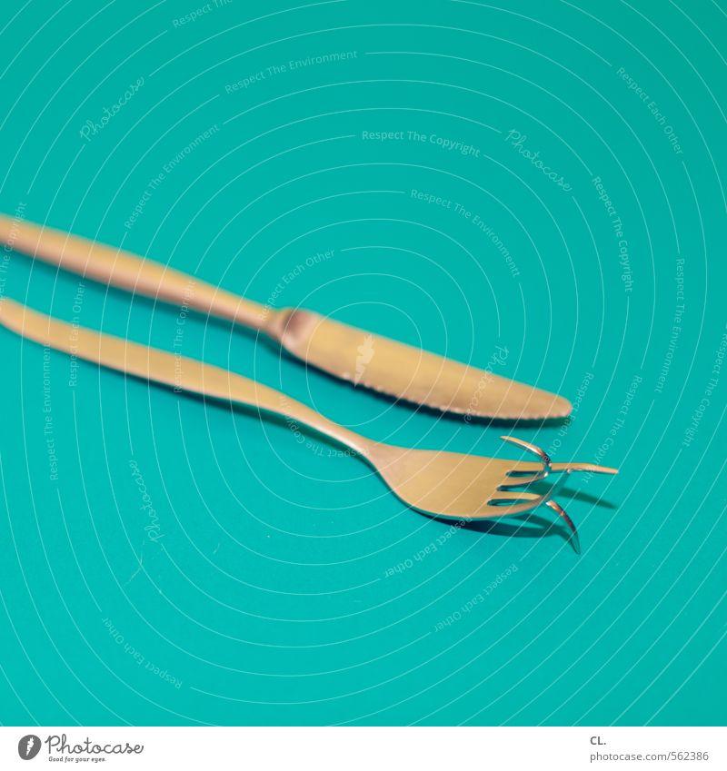 abnehmen leicht gemacht Ernährung Essen Mittagessen Abendessen Festessen Besteck Messer Gabel Diät einzigartig blau türkis Frustration bizarr innovativ