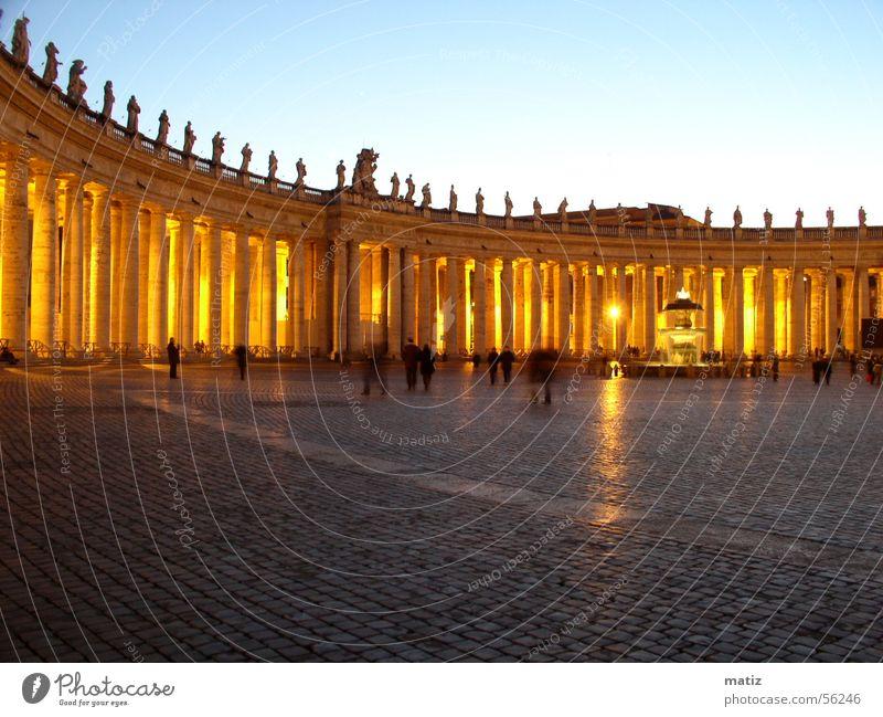 Rom Petersplatz Säule Italien
