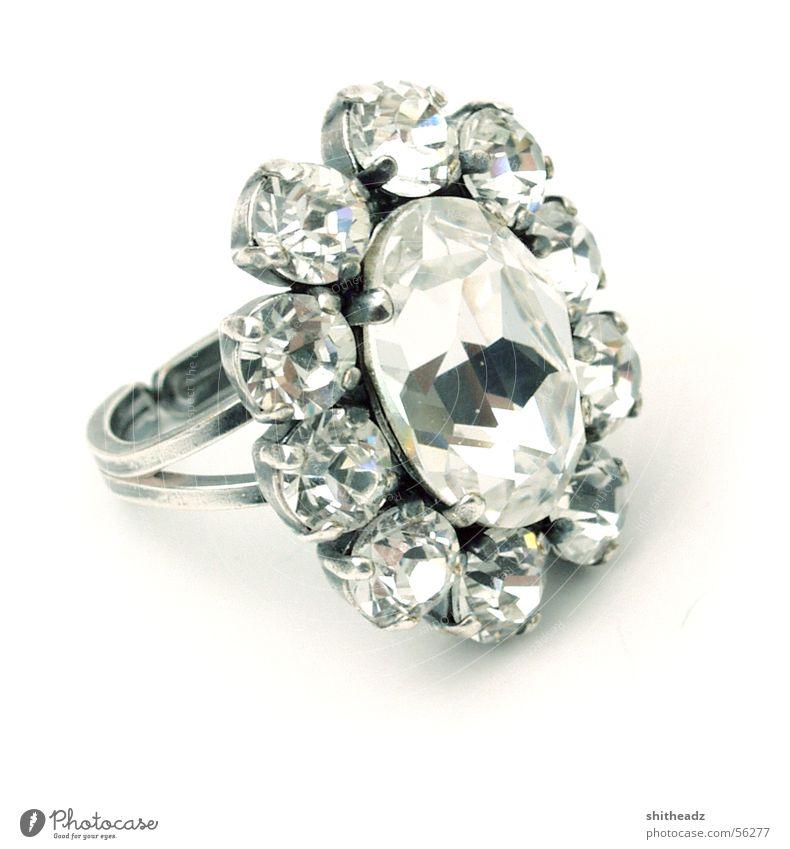 Ring Stein Edelstein glänzend Kreis Kitsch Schmuck Diamant