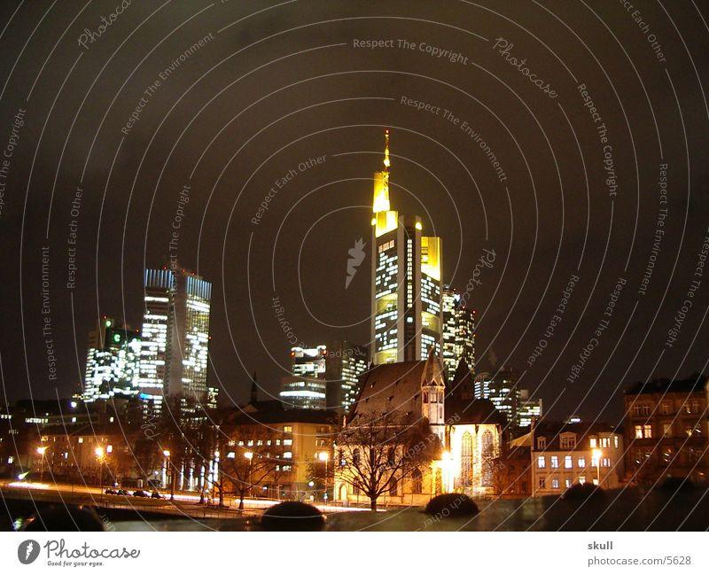 ffm by night Frankfurt am Main Nacht Nachtaufnahme Gebäude Licht Hochhaus Architektur Comerz Bank