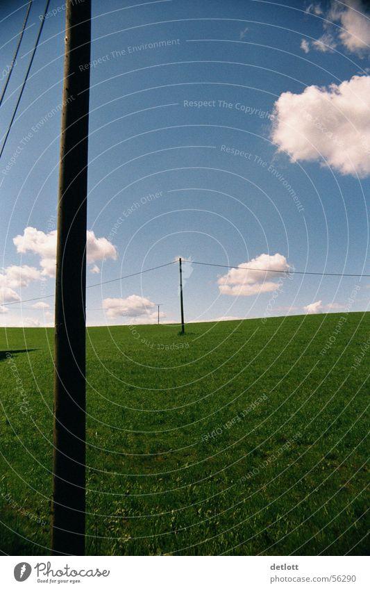 Wolkentanz Himmel Natur Ferien & Urlaub & Reisen blau grün Sommer Landschaft ruhig Wolken Ferne Wiese Gras Spielen Horizont Perspektive groß