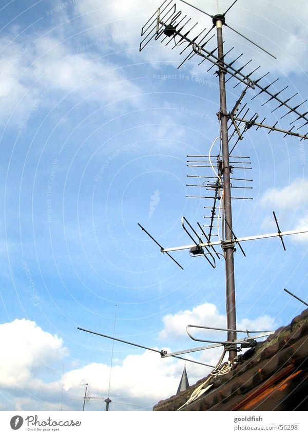 antenne Himmel blau Wolken Dach Fernsehen Antenne Begrüßung