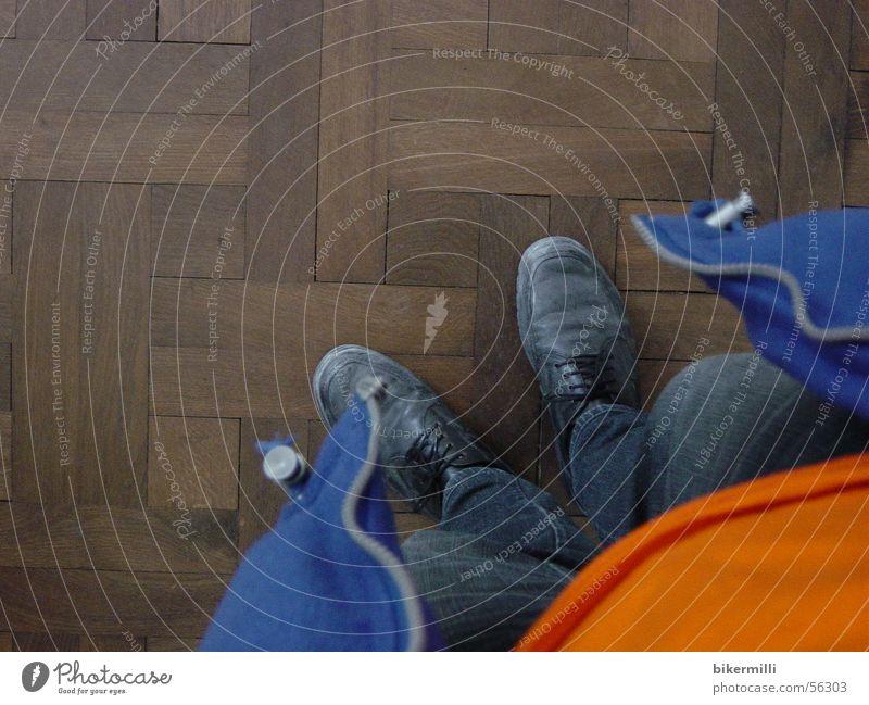 parkett blau Sommer schwarz Wärme Leben Holz braun gehen orange Ordnung offen Schuhe Bekleidung Ecke weich Bodenbelag