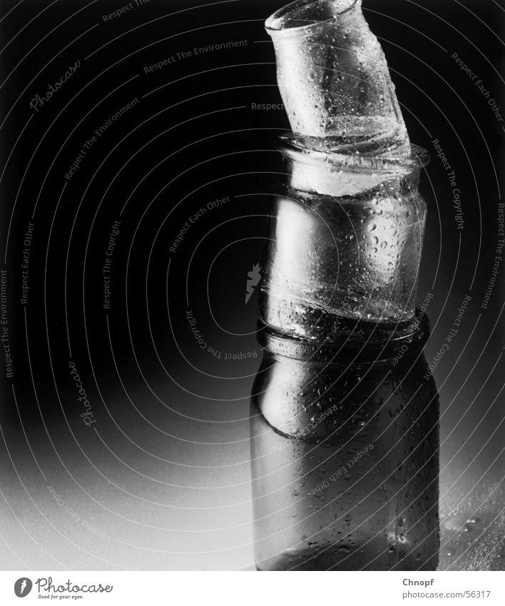 Glasturm kalt Zufriedenheit Glas nass Elektrizität Gefäße