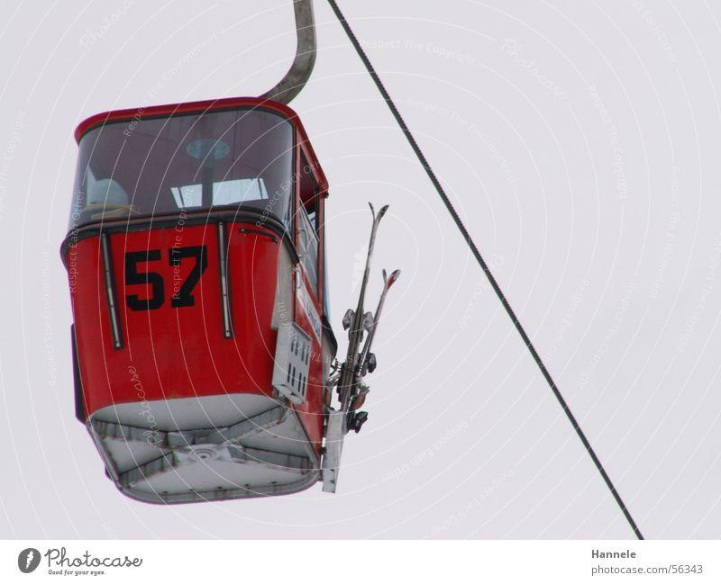 57 Skier Ferien & Urlaub & Reisen Gondellift Ziffern & Zahlen Drahtseil Fahrstuhl Seil Himmel hoch