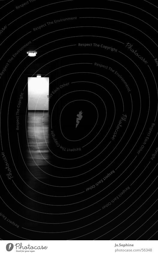 Kaltes Licht... - Impression Pflegeheim IV Gang Flur Durchgang Tür Türrahmen Lichtschein Lichtblick Lichteinfall Nahtoderfahrung Tod Himmelstor dunkel trist