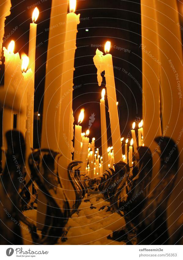 Amen! Kerze Wachs dunkel Kerzenständer Licht halbdunkel heilig Gebet Romantik Festessen heiß Ständer Religion & Glaube kerzenwachs
