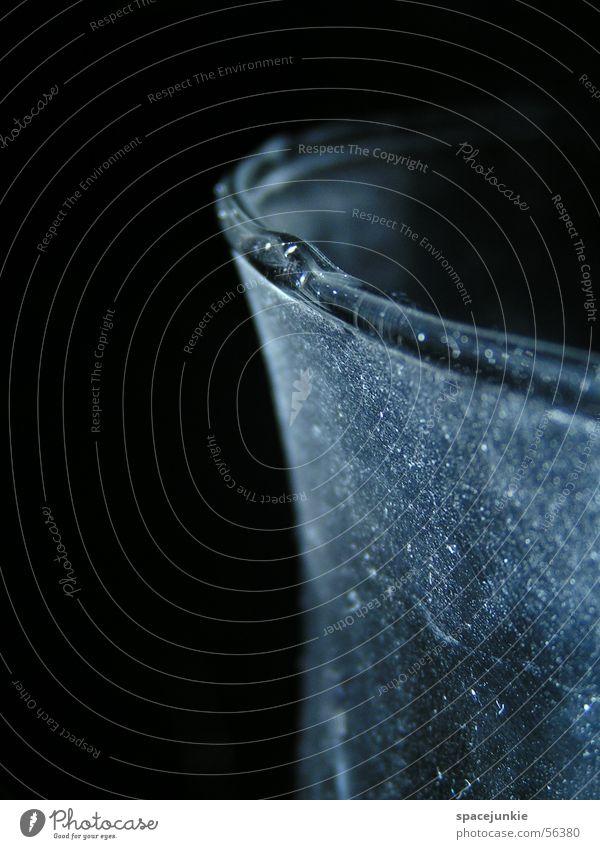 Glas (2) Staub Kratzer Licht dunkel Schatten Makroaufnahme Gefäße