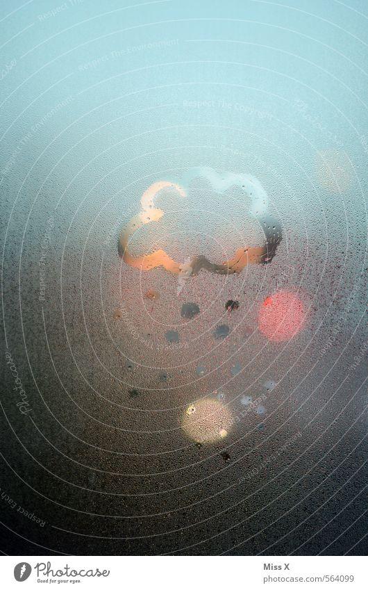 leichter Schneefall Himmel Wolken kalt Wetter Regen Klima nass Wassertropfen Punkt Unwetter Fensterscheibe Gewitter Nachthimmel schlechtes Wetter
