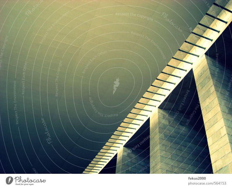 beton grün ruhig kalt gelb Architektur grau Stein Metall elegant modern Kraft gold ästhetisch Perspektive hoch Beton