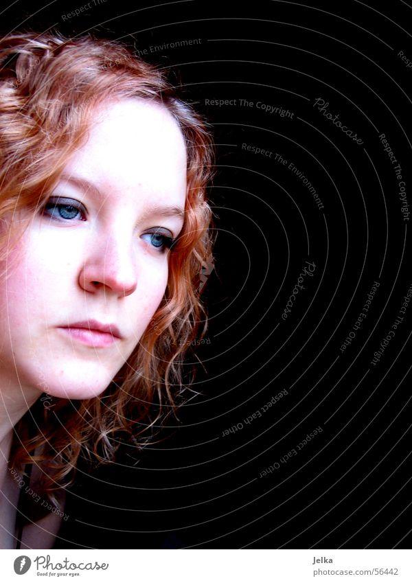 tristesse in farbe Haare & Frisuren Haut Gesicht Junge Frau Jugendliche Erwachsene Auge Nase Mund Locken Traurigkeit rot Trauer Teint Porträt Blick rothaarig