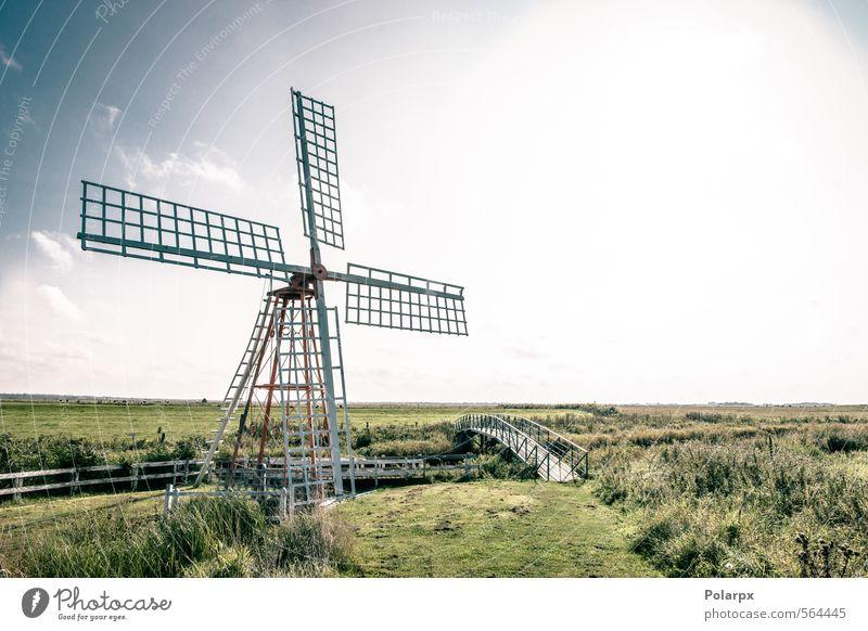 Windmühle Industrie Technik & Technologie Kultur Umwelt Natur Landschaft Himmel Wolken Herbst Gras Park Wiese Gebäude Architektur alt historisch retro blau grün