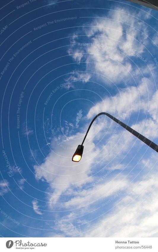 Farola Wolken Laterne Straßenbeleuchtung Licht Himmel