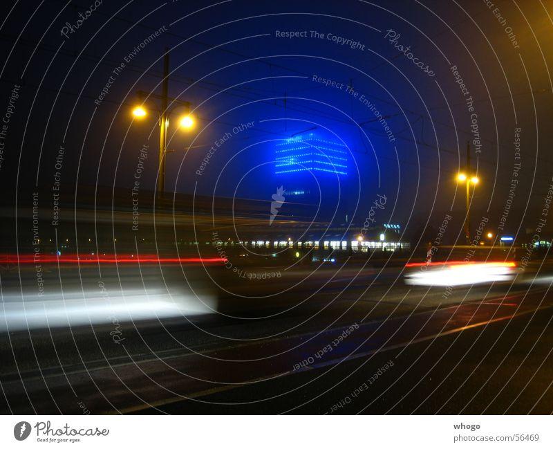 Warschauer Brücke blau Lampe Berlin Bewegung orange Nebel Geschwindigkeit Turm Dynamik Nacht Straßenbeleuchtung Friedrichshain Oberbaum-City