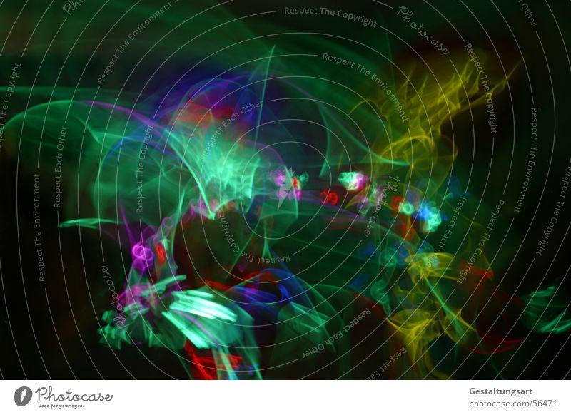 Kindergeburtstag (2/5) mit mehr Licht Disco Leuchtstab Lampe glühen mehrfarbig schwarz grün gelb rot toben Kunst hüpfen springen Langzeitbelichtung Freude Club