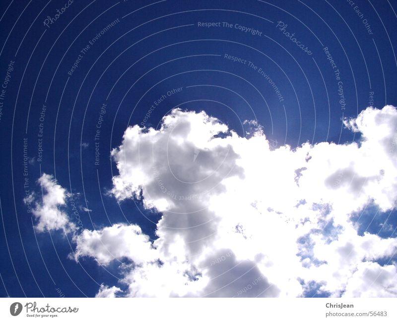bright sky Himmel Wolken hell Sonnenstrahlen Erkenntnis luftig blau Lichteinfall weiß-blau himmelspiel wolkenspiel Blauer Himmel leuchten