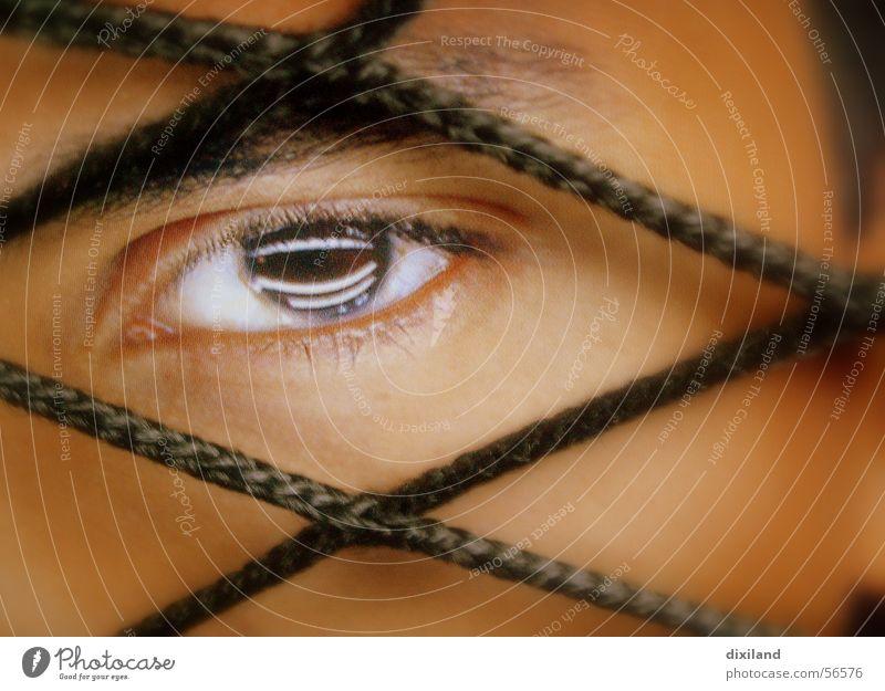 Durchblick Gesicht Auge Mensch Netz Nahaufnahme