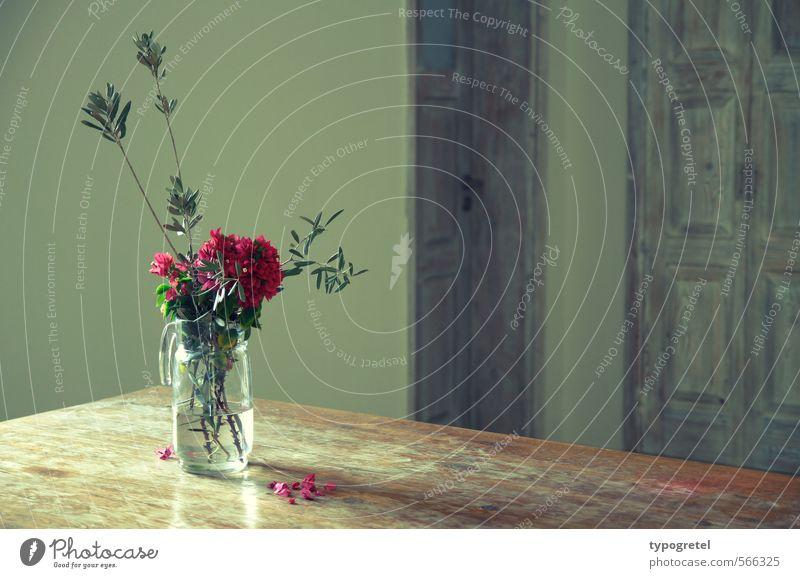 Mediterranes Stilleben Häusliches Leben Wohnung Dekoration & Verzierung Tisch Raum Blumenstrauß Holz Metall grün rosa malerisch Stillleben Zweige u. Äste Vase