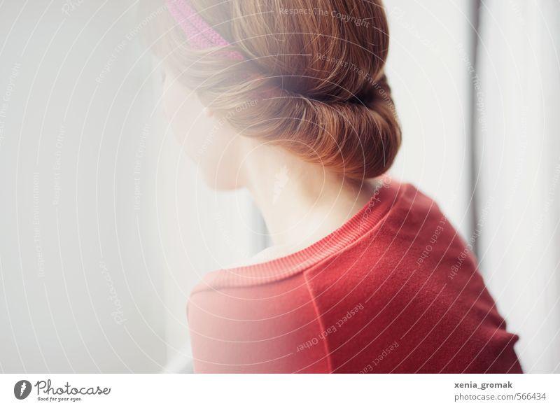 am Fenster Mensch Frau Kind Jugendliche schön Junge Frau 18-30 Jahre Erwachsene Leben Gefühle feminin Haare & Frisuren Kopf Mode elegant Nebel