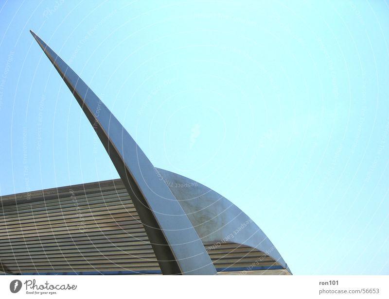 steel Himmel blau Metall Dach Stahl silber Strebe gekrümmt Chrom Lamelle