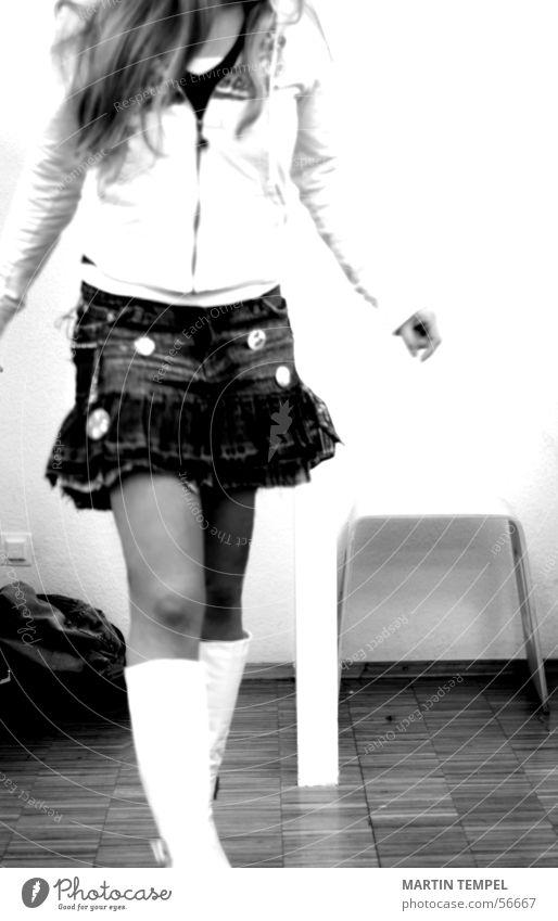 school girl Mensch Jugendliche Erwachsene feminin Mode Feste & Feiern offen gehen Junge Frau 18-30 Jahre Lifestyle Bekleidung Rock Stiefel trendy Umkleideraum