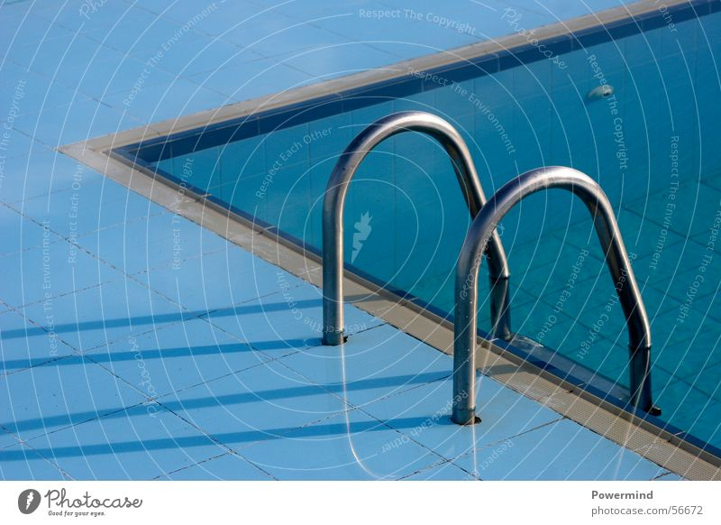 Pool-IN-Pool blau Wasser Ferien & Urlaub & Reisen Sommer Erholung Wasserfahrzeug Wellen glänzend Ecke Schwimmbad tauchen Fliesen u. Kacheln Teilung abwärts Stab