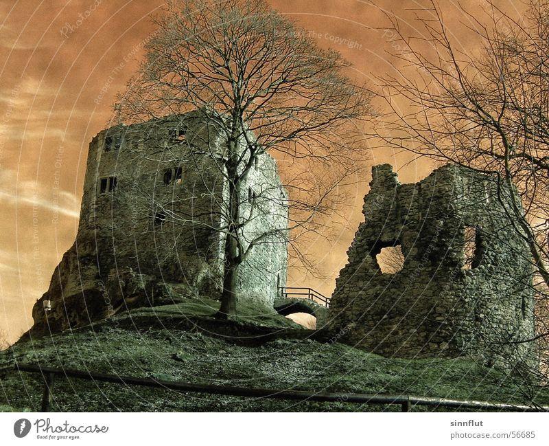...schaurig schön alt Landschaft Vergangenheit Ruine Ritter Thüringen