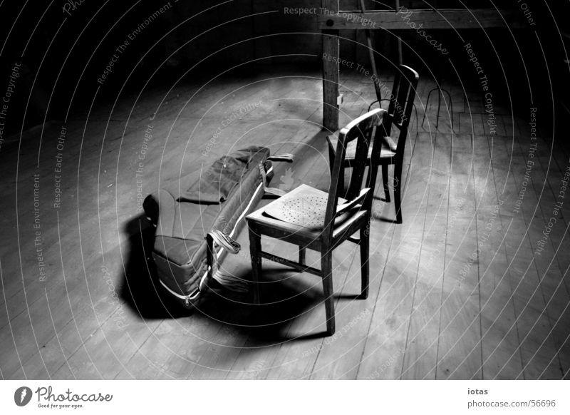 alter heuboden Musik Stuhl Heuboden Bauernhof Spinett ruhig Konzert theatralisch Sachsen Deutschland historisch Frieden Erfolg hayloft old chairs tools shelves