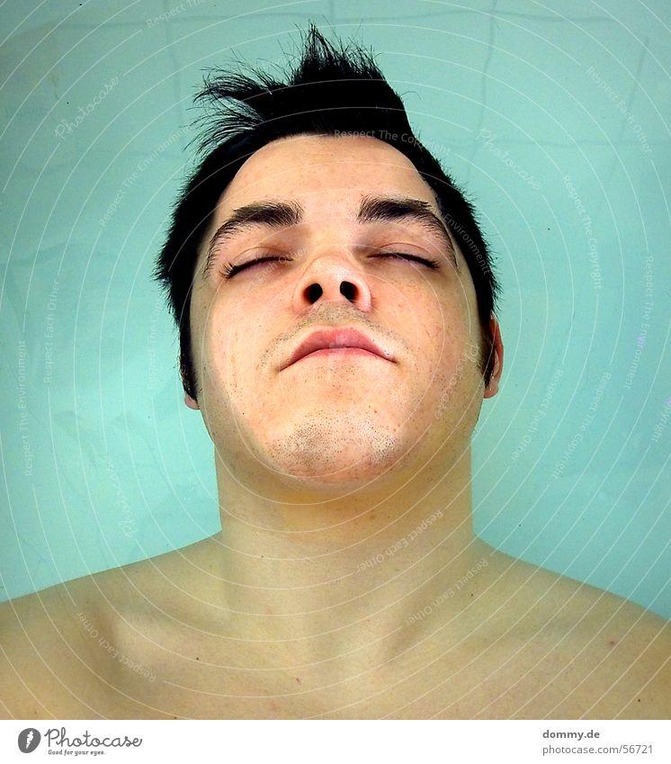 experiment Mann Wasser blau Auge Tod Haare & Frisuren Mund Nase Bad Lippen Badewanne bleich Nasenloch Wasserleiche Totenstarre