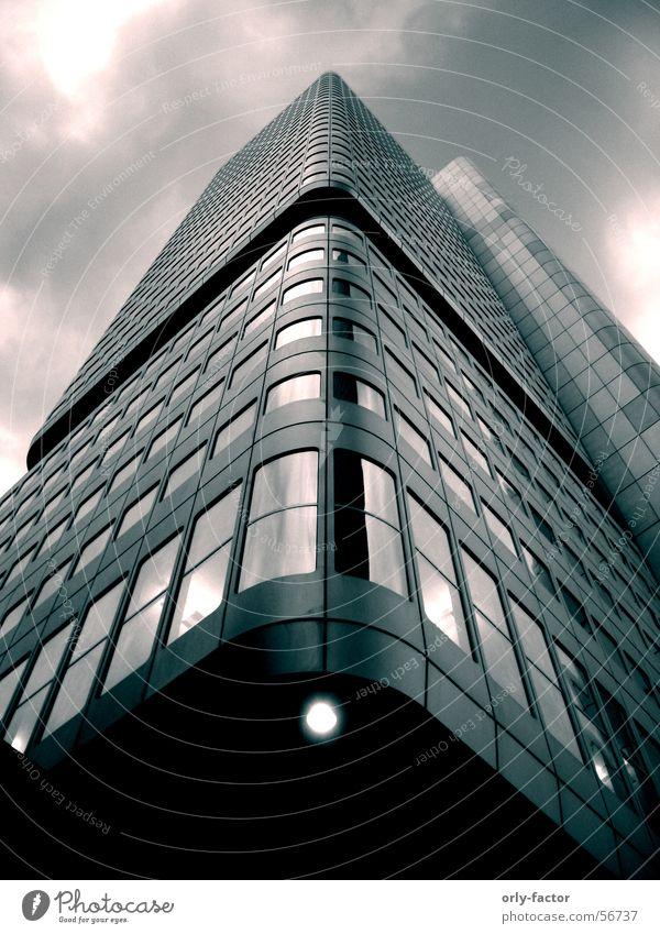 high risin' Himmel Glas Hochhaus hoch Perspektive Stahl Frankfurt am Main Tonung