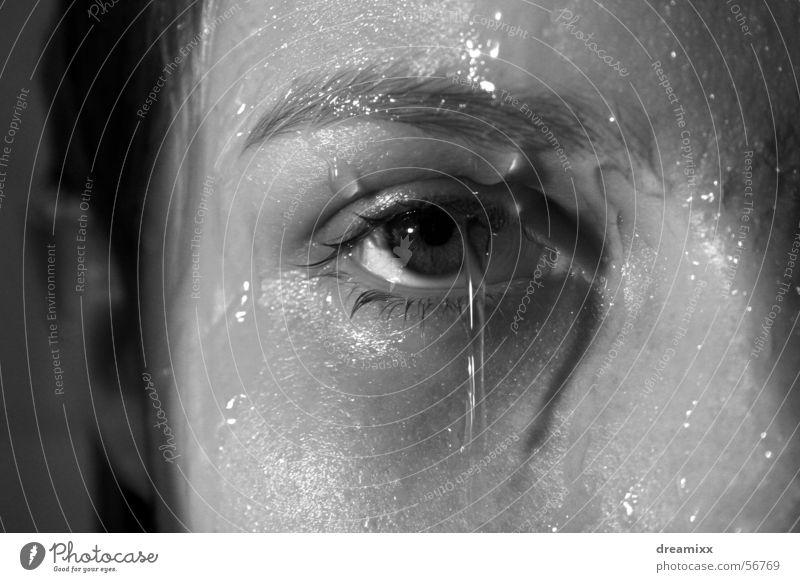 Konzentration Frau nass Haare & Frisuren Auge Wasser Makroaufnahme Unter der Dusche (Aktivität)