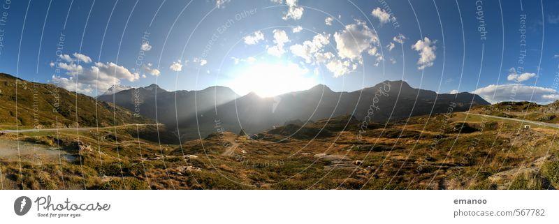 Alpen Panorama Himmel Natur Ferien & Urlaub & Reisen blau grün Sommer Sonne Landschaft Berge u. Gebirge Wärme Gras Felsen Wetter Klima Tourismus wandern
