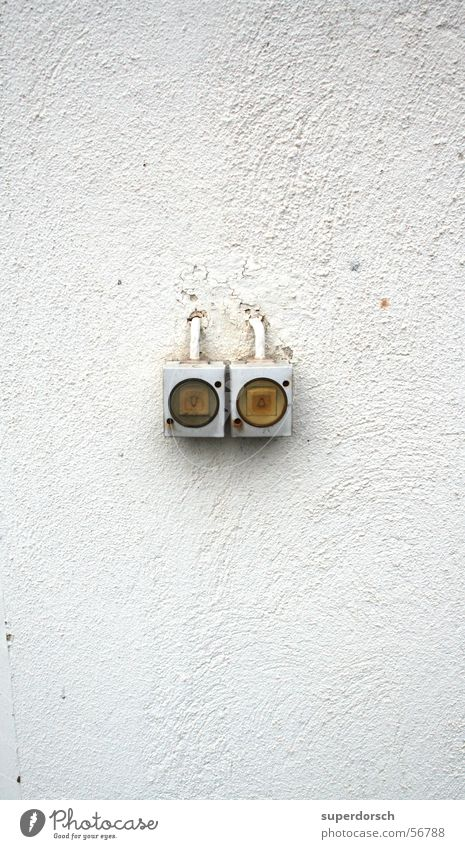 Es werde noch lichter Wand Mauer Riss Schalter
