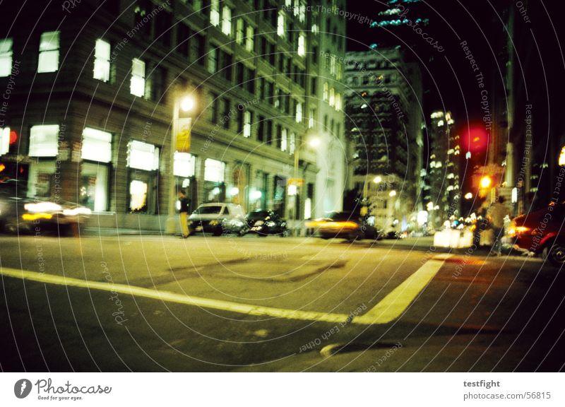 frisco by night San Francisco Stadt Nacht Licht Ampel Gebäude Roadmovie unterwegs dunkel Krimineller rot gelb grün light city lights Straße Beleuchtung building