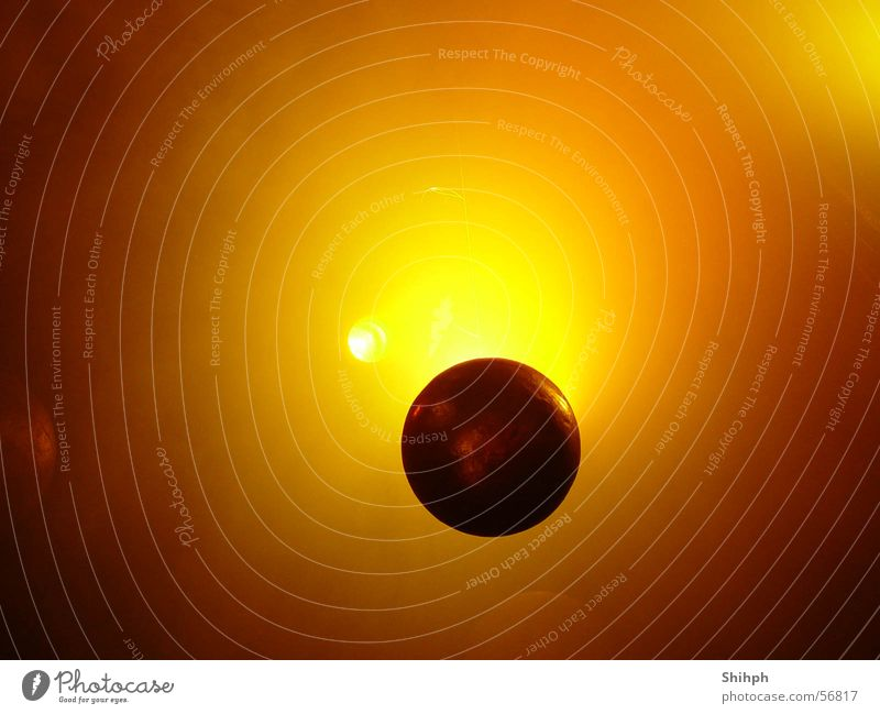 Goldener Ball Farbe hell gold Globus Planet