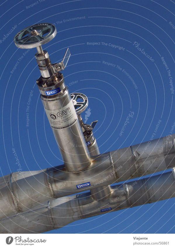 Dichtgemacht Himmel blau kalt Eis planen Technik & Technologie Industriefotografie Stahl Röhren Installationen Gas Aktien Leitung Halfpipe Edelstahl Ventil