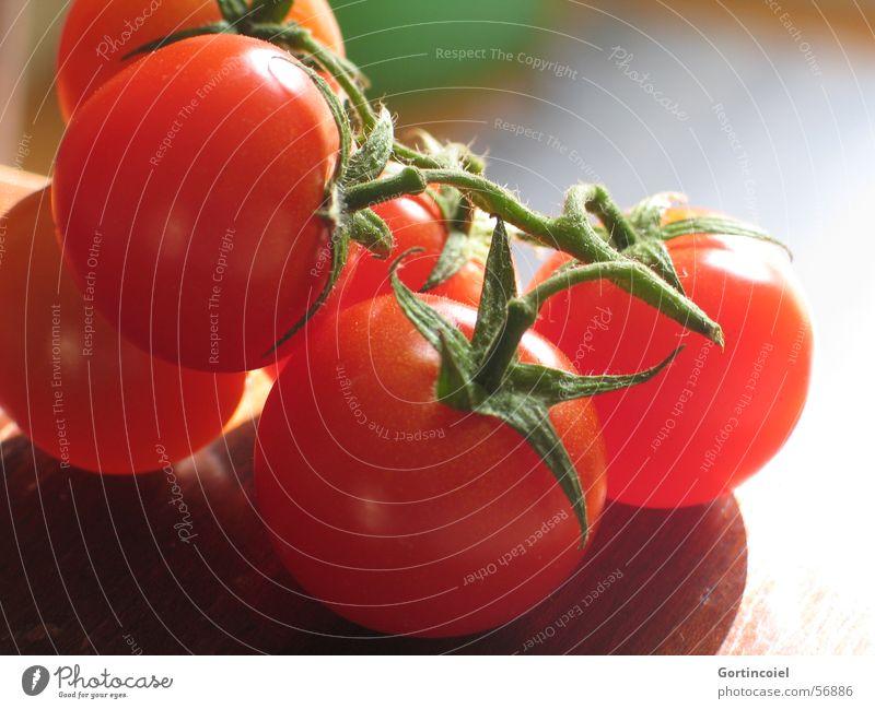 Sonnenbrand Lebensmittel Gemüse Ernährung Bioprodukte Vegetarische Ernährung Gesundheit Tisch Küche frisch lecker rot Tomate kochen & garen