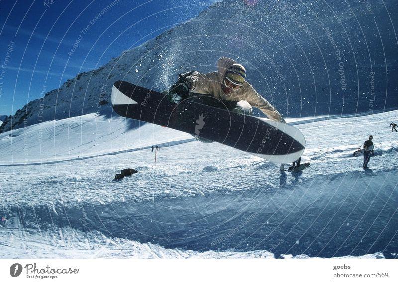 Pipe03 Winter Halfpipe Snowboard Sport Berge u. Gebirge Schnee Alpen Snowboarder Snowboarding hoch springen berühren Skipiste rotieren drehen talentiert