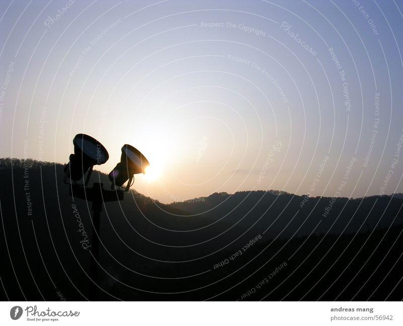 Scheinwerfer I Himmel Sonne Lampe Berge u. Gebirge Landschaft Beleuchtung Horizont Scheinwerfer