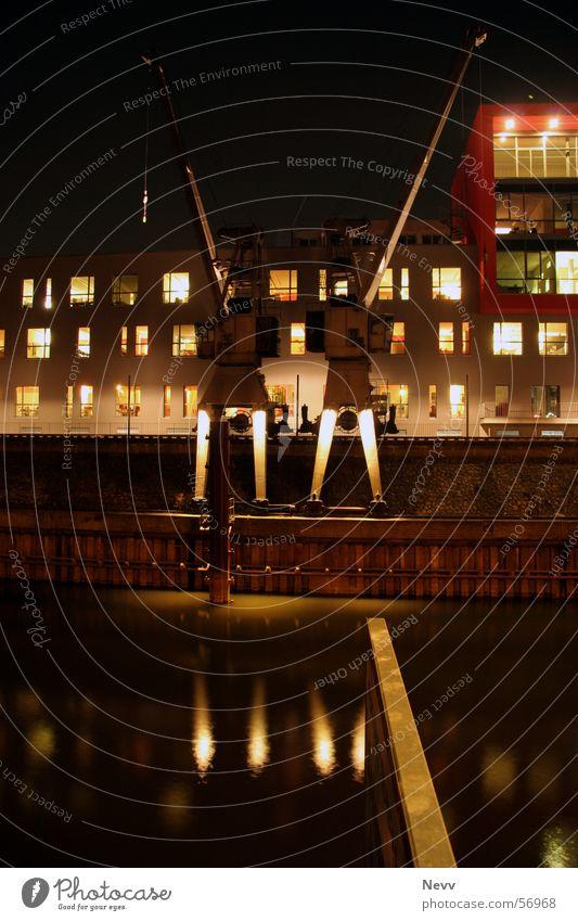 Hafenkräne Wasser dunkel Beleuchtung Kran Kreis Neuss