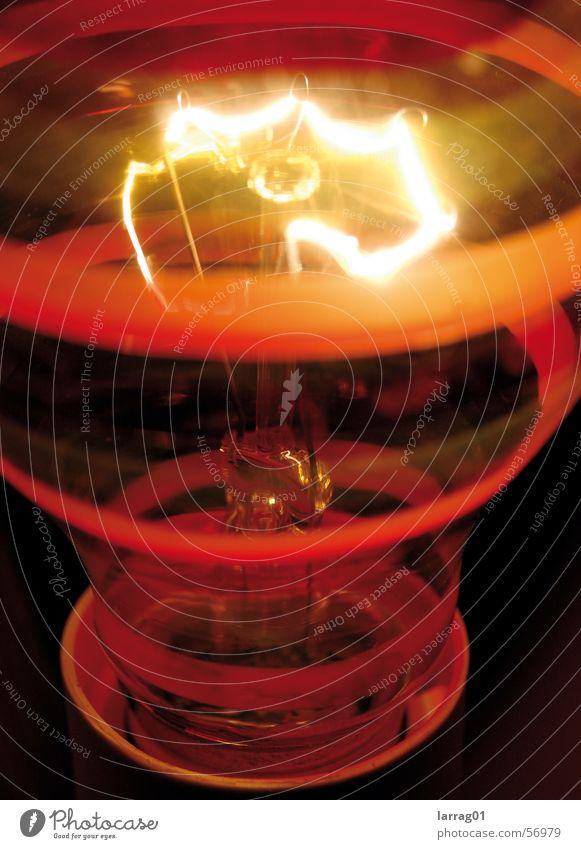 Licht ganz nah Lampe Wärme orange Sicherheit Elektrizität Physik Streifen heiß Strahlung Draht Glühbirne glühen
