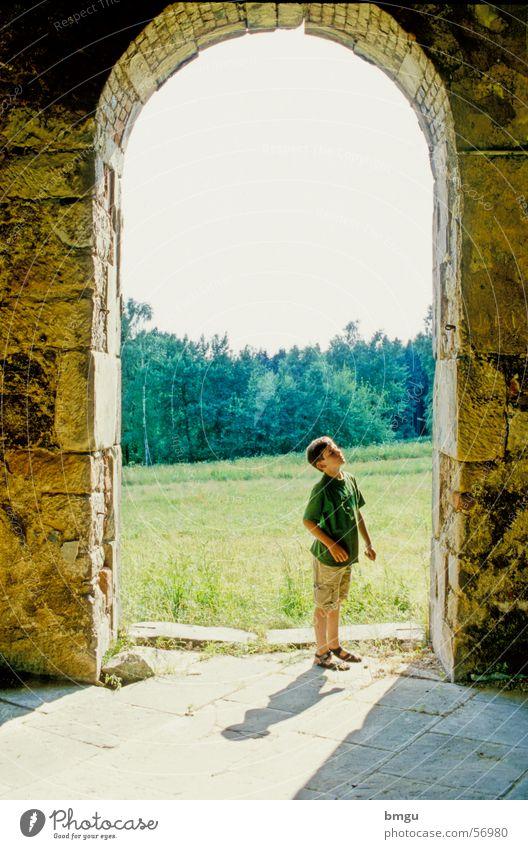 Staunen Kind Sommer Ruine Wunder Bewunderung Böhmen