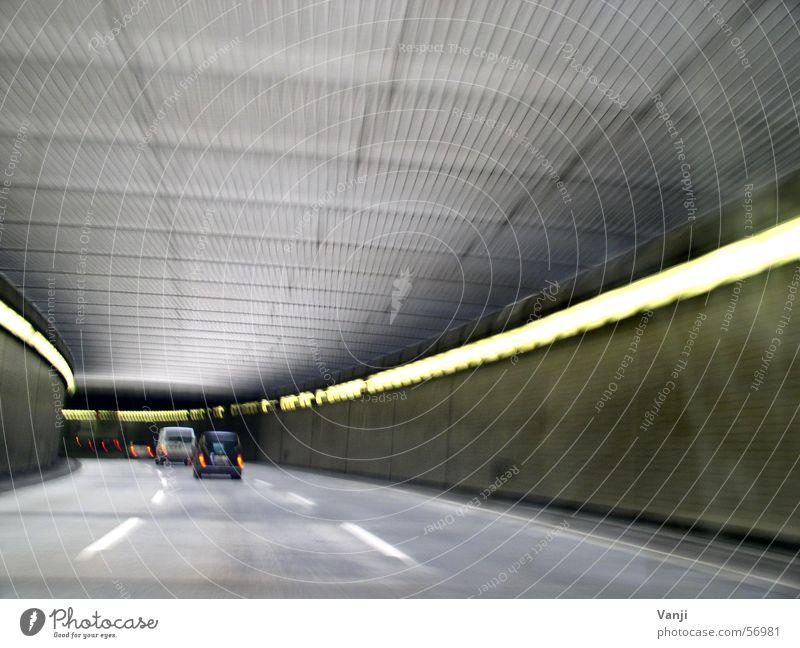 Tunnelblick Straße Berlin PKW Verkehr Geschwindigkeit Ausflug fahren Tunnel Dynamik Autofahren unterwegs