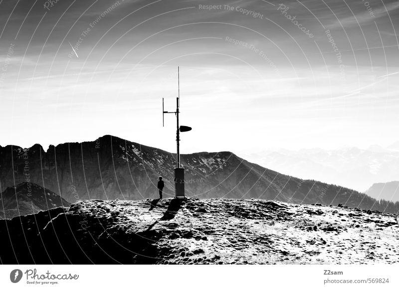 Mondlandung Mensch Kind Natur Jugendliche Ferien & Urlaub & Reisen Landschaft ruhig Ferne dunkel Umwelt Berge u. Gebirge Freiheit Felsen Schneefall Idylle