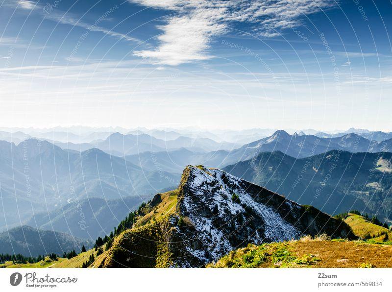 Wandertag Berge u. Gebirge wandern Natur Landschaft Himmel Herbst Schönes Wetter Felsen Alpen Gipfel hoch nachhaltig natürlich blau grün Einsamkeit Farbe