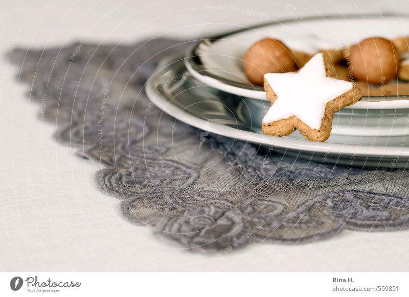 WeihnachtsGebäck Weihnachten & Advent Feste & Feiern Ernährung genießen Spitze süß Süßwaren lecker Geschirr Teller Backwaren Decke Vorfreude Teigwaren Zimtstern Marzipan