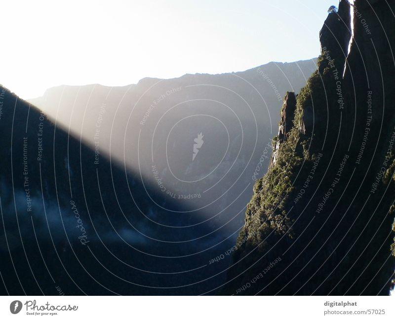The Sound of Sunrise Sonne Berge u. Gebirge Sonnenaufgang Klang Fjord Neuseeland Milford Sound